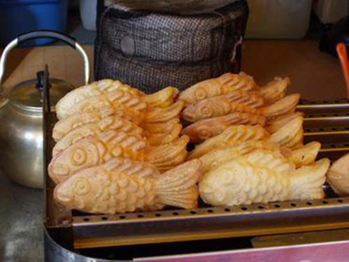 A popular snack: Fish-shaped Bungeoppang