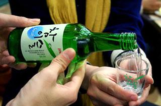 Soju Pouring