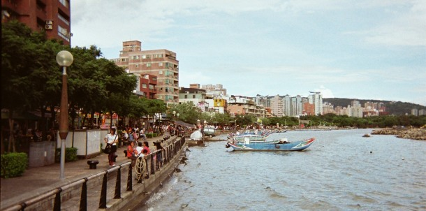 f1010015-danshui-river-walk
