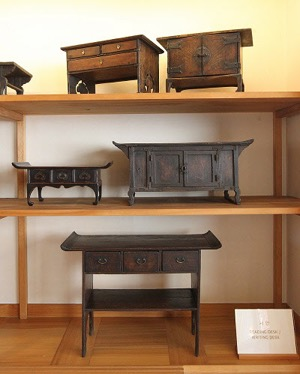 The Overall Effect, From The Handmade Exclusive Furniture To The Atmosphere  Of The Hanok Ranging From The Scenery, Smell And Sound, Makes You Feel As  If You ...